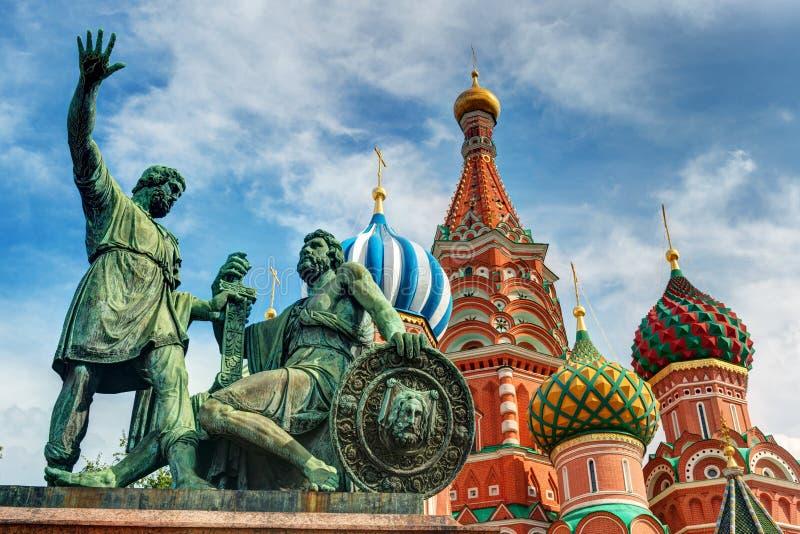 Monument zu Minin und zu Pozharsky lizenzfreie stockfotografie