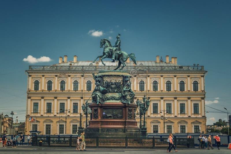 Monument zu Nicholas in St Petersburg lizenzfreie stockfotos