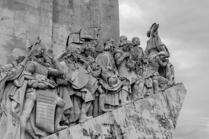 Monument zum Entdeckungen Padrão DOS Descobrimentos auf der Bank des Tajos Tejo River in Lissabon, Portugal lizenzfreies stockfoto