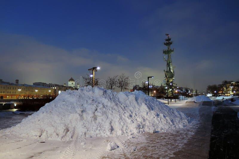 Monument zum Gedenken an den 300. Jahrestag der russischen Marine stockfotos