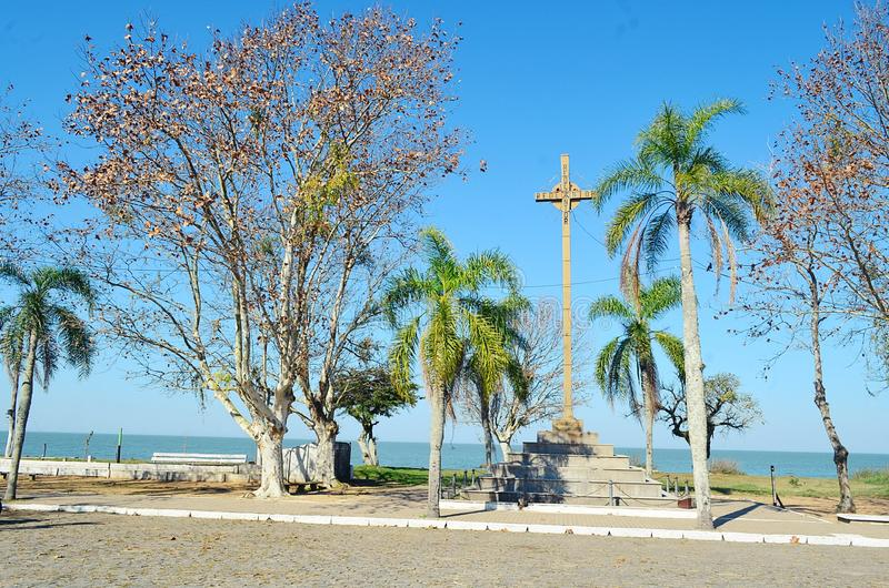 Monument zur ersten Masse betete in Brasilien stockfotos