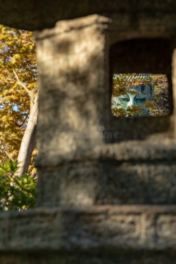 Monumentaal bronsstandbeeld van Amitabha Boedha, dat ??n van de beroemdste symbolen van Japan is royalty-vrije stock foto