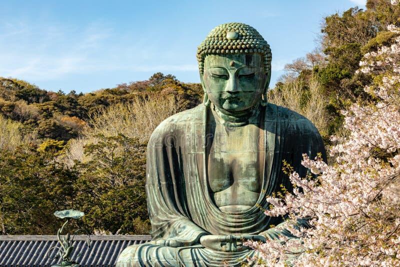 Monumentaal bronsstandbeeld van Amitabha Boedha, dat ??n van de beroemdste symbolen van Japan is royalty-vrije stock afbeelding