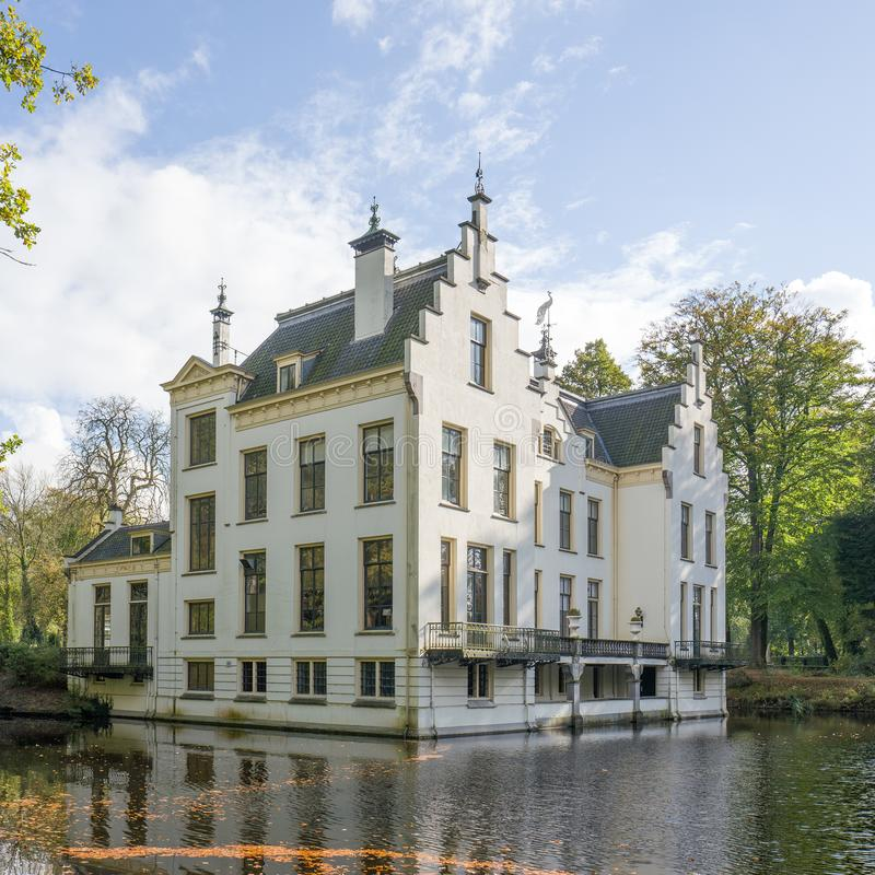 Monumentaal kasteel Staverden in Nederland stock fotografie