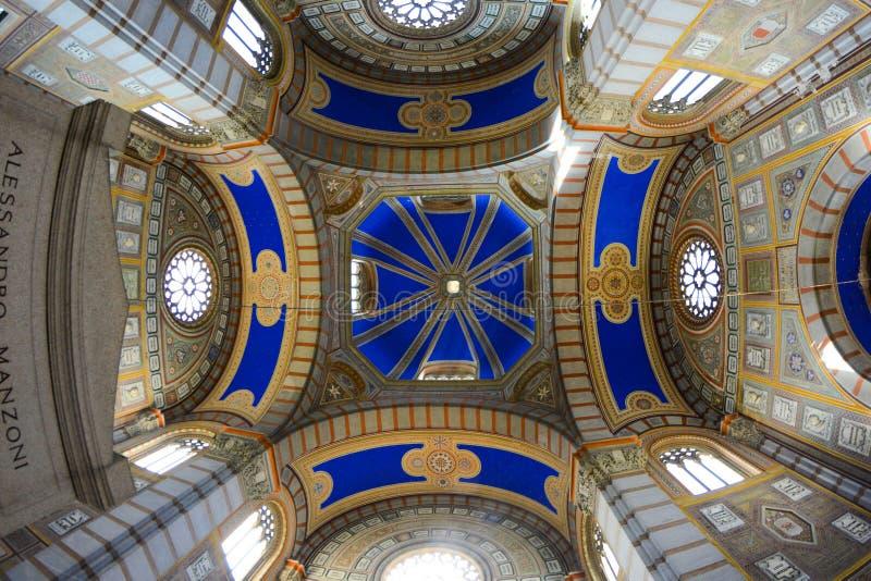 Monumental kyrkogård, Milan, Italien royaltyfria foton