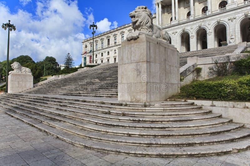 Monumental portugisisk parlament Lokaliserat i Lissabon, Portugal royaltyfria foton