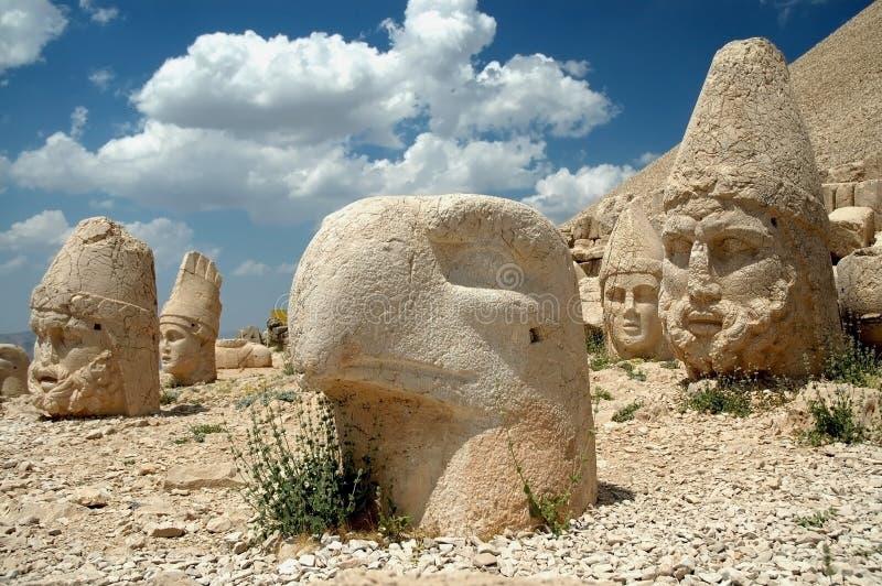 Monumentale godshoofden op onderstel Nemrut, Turkije stock foto