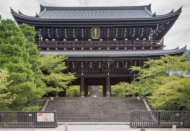 Monumentale poort aan chion-in Boeddhistische Tempel stock foto