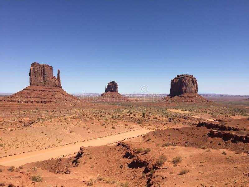 Monumentdal - Navajo parkera - USA - Arizona arkivfoto