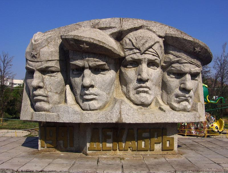 Monumenten gevallen Sovjetmilitairen in Koktebel, de Oekraïne royalty-vrije stock fotografie