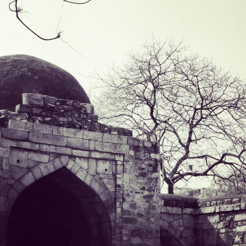 Monumenten in Qtub Minar stock fotografie