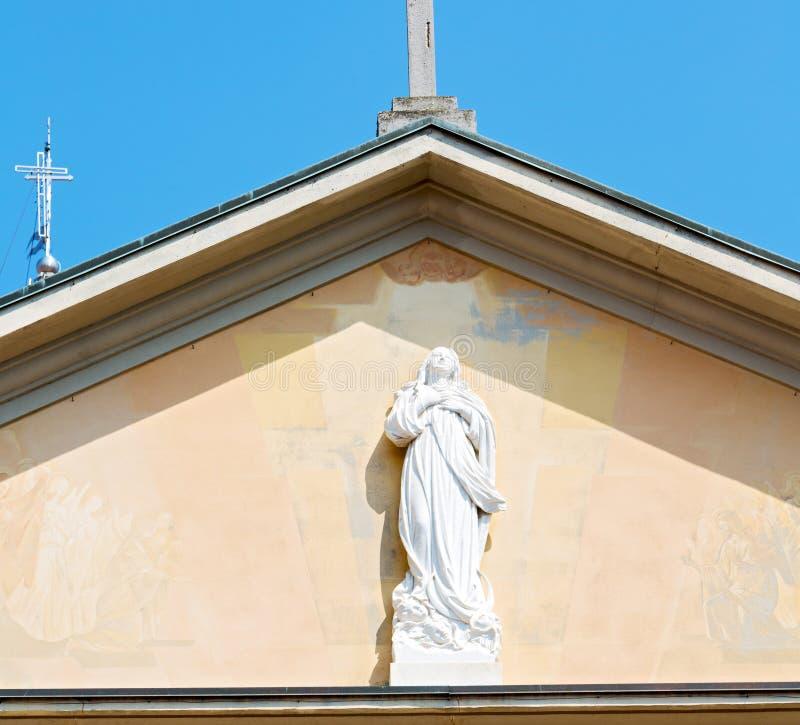 monumentenstandbeeld in oude historische bouw Italië Europa mil royalty-vrije stock fotografie