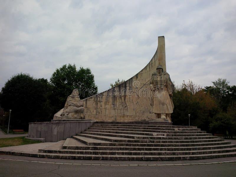 Monumentet av den rumänska soldaten från den Baia stoen royaltyfri foto