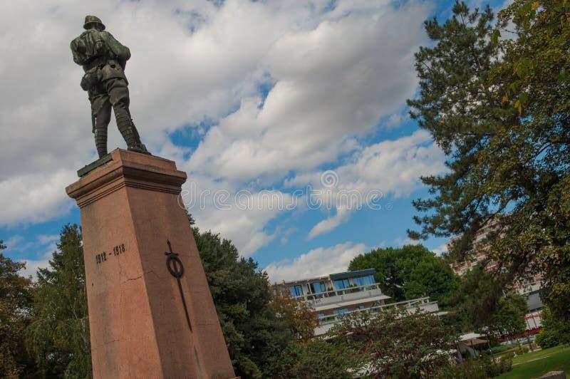 Monumentet av frihet i Leskovac Serbien arkivfoton