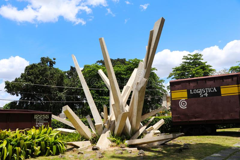 Monumentet av tren blindado med bulldozern i Santa Clara, Kuba royaltyfria foton