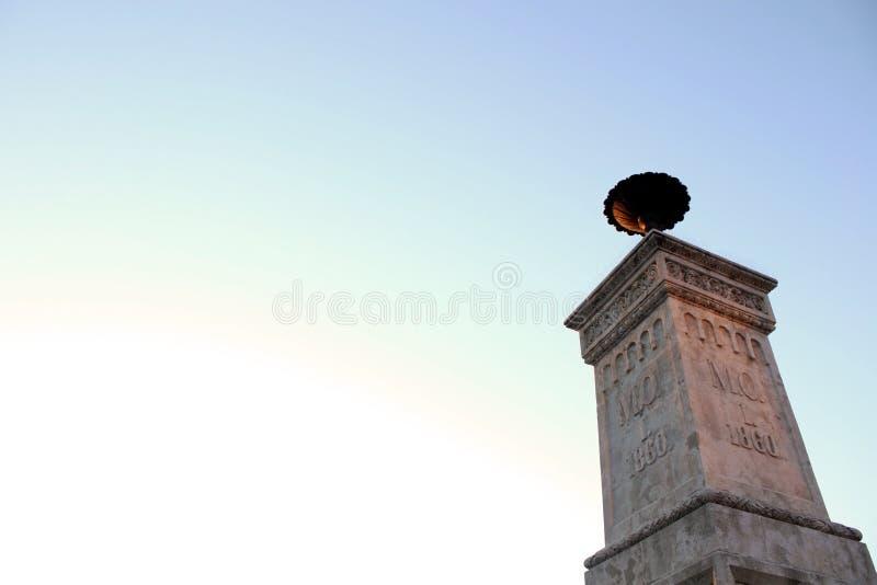 Monumenthimmel royaltyfri bild