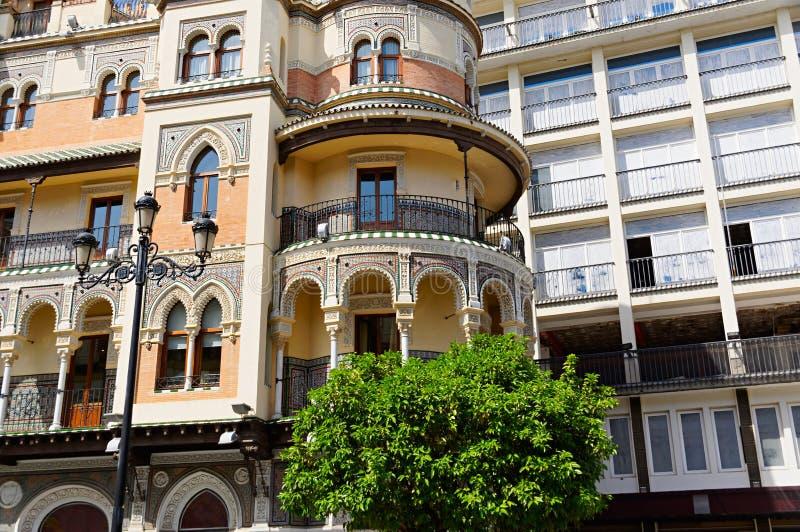Monumenti storici e monumenti di Siviglia, Spagna Stili architettonici spagnoli di gotico e di Mudejar, barocco fotografia stock libera da diritti