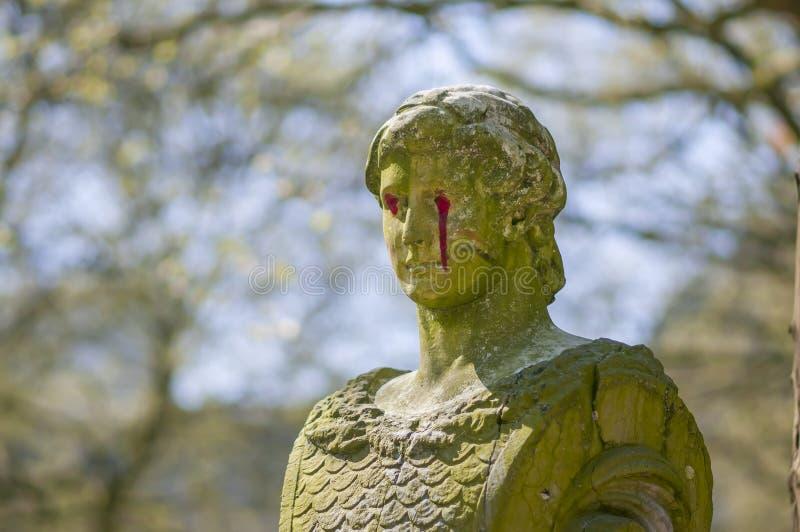 Monumenti, vecchie sculture nel parco Parc de Bruxelles di Bruxelles davanti a Royal Palace fotografia stock libera da diritti