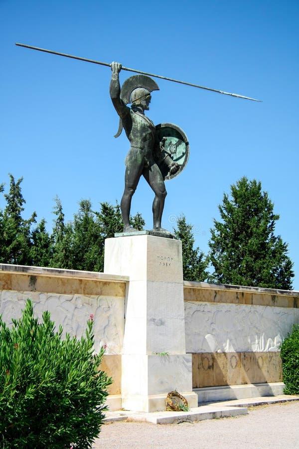 Monumentkonung Leonidas och 300 Sparta krigare i Thermopylae, Grekland Inskrift: Komm få den arkivbild