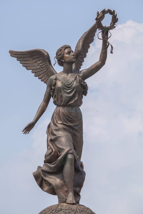 Monumento à deusa Nike contra o céu imagem de stock royalty free