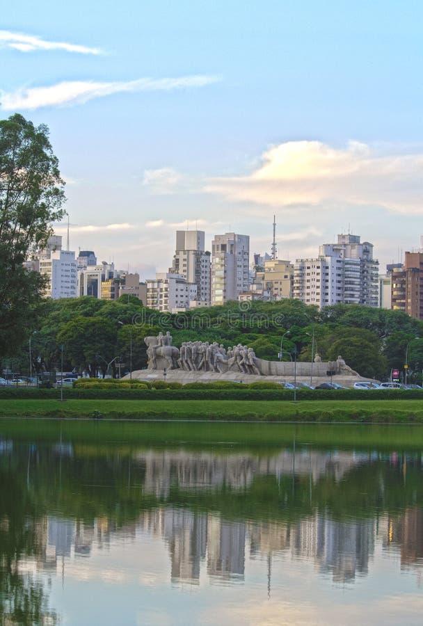 Monumento ως Bandeiras, Σάο Πάολο στοκ φωτογραφία