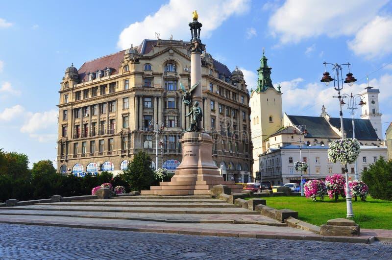 Monumento a Adam Mickiewicz imagenes de archivo