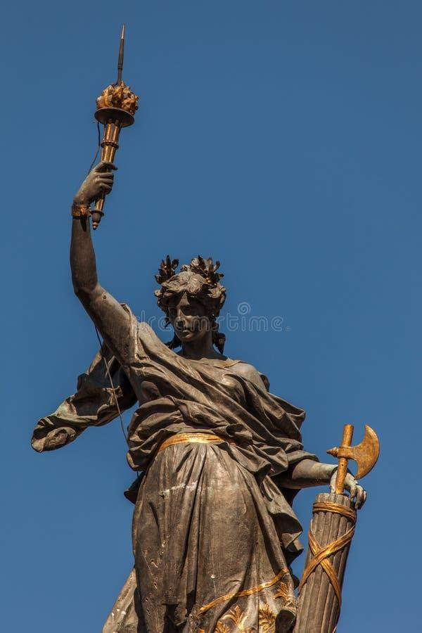 Monumento agli eroi di indipendenza del 10 agosto 1809 a Quito, Ecuador immagine stock