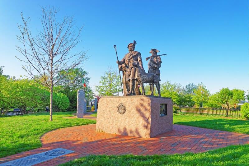Monumento agli immigrati scozzesi a Penn Landing in Filadelfia fotografia stock libera da diritti