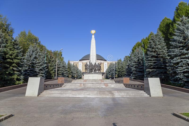Monumento ai paesi di coalizione di anti-Hitler, partigiano del vicolo in Victory Park sulla collina di Poklonnaya, Mosca, Russia fotografie stock libere da diritti