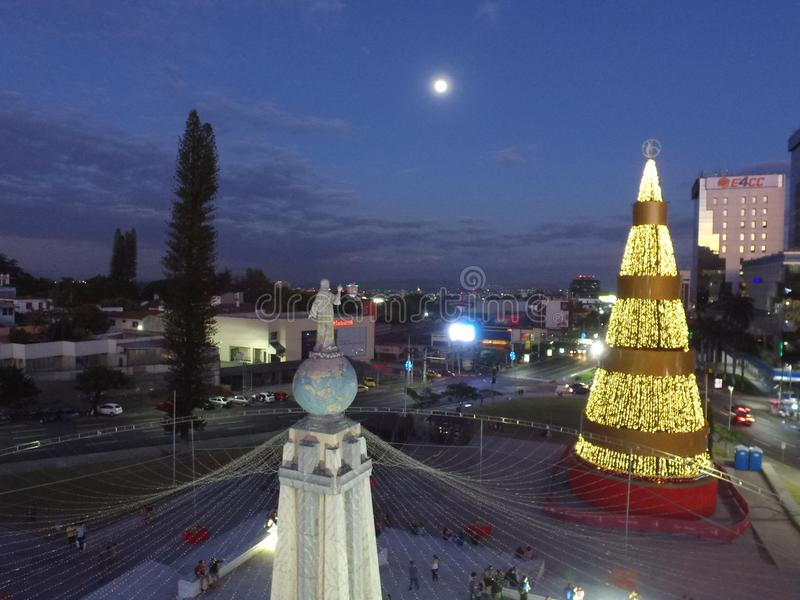 Monumento Al萨尔瓦多台尔Mundo 免版税库存图片
