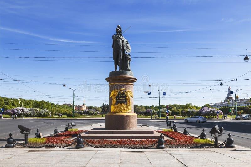 Monumento al comandante ruso Generalissimo Alexander Suvorov en St Petersburg imagen de archivo