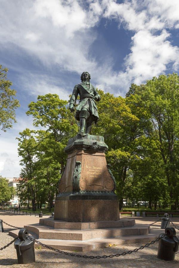 Monumento al fundador de la ciudad de Kronstadt, emperador Peter el grande, 1841 foto de archivo libre de regalías
