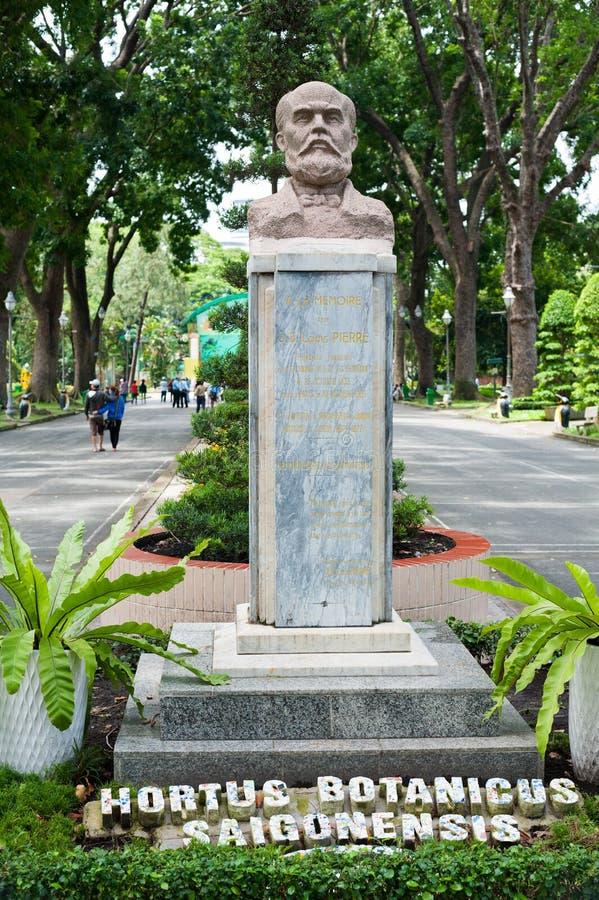 Monumento al fundador del parque zoológico de Saigon imagenes de archivo