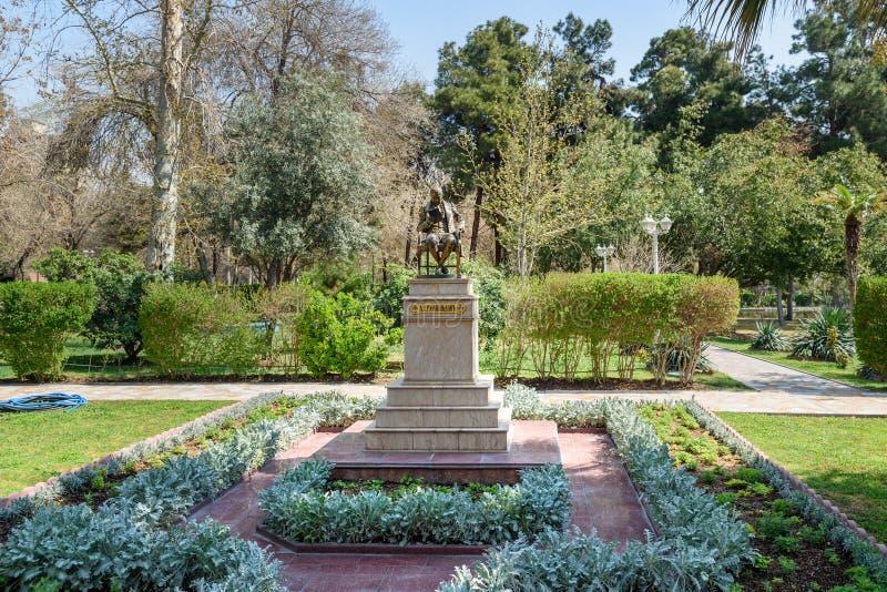 Monumento a Alexander Griboyedov na embaixada de Rússia tehran irã fotos de stock royalty free