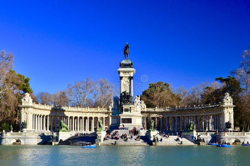 Monumento Alfonso XII in het Park van Gr Retiro, Madrid royalty-vrije stock foto