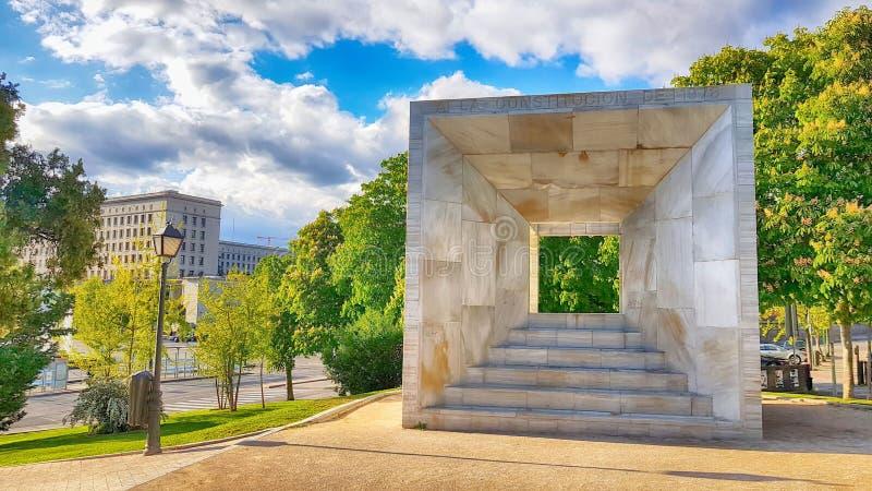 Monumento alla costituzione di Madrid nel 1978 fotografia stock libera da diritti