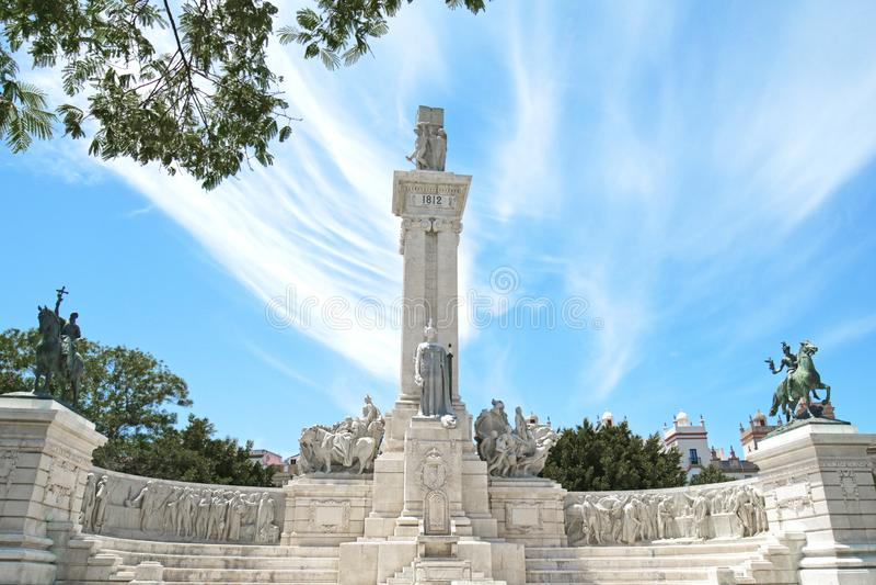 Monumento alla costituzione spagnola 1812 nella plaza de Espana Square Cadice, Andalusia, Spagna fotografia stock libera da diritti