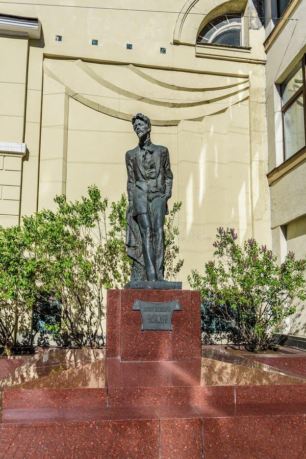 Monumento allo scrittore russo, allo scrittore di prosa ed al commediografo Anton Chekhov nel vicolo di Kamergersky fotografia stock libera da diritti
