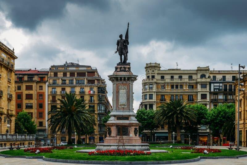 Monumento ao almirante D ANtonio de Oquendo, San Sebastian, país Basque, Espanha imagens de stock