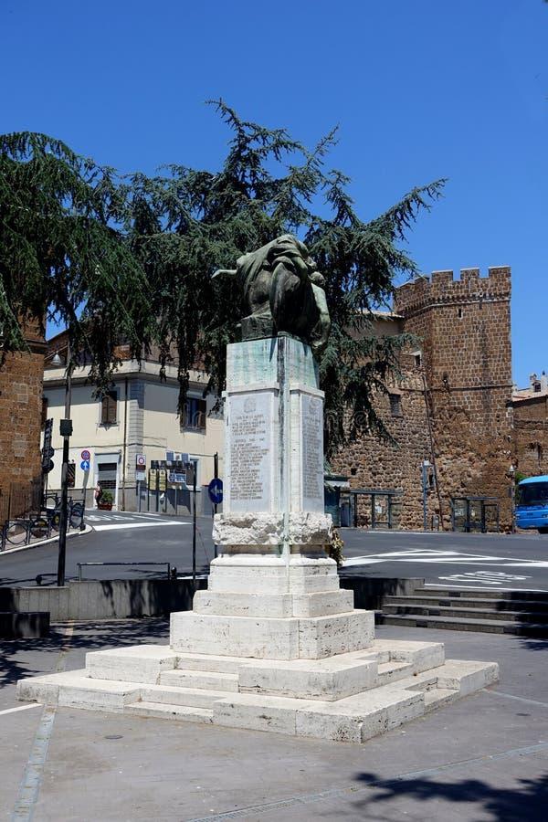 Monumento ao caído da segunda guerra mundial em Cerveteri imagem de stock royalty free