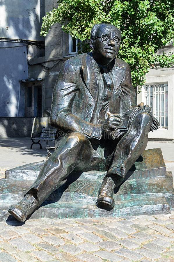 Monumento ao escritor Isaak Babel em Odessa imagens de stock