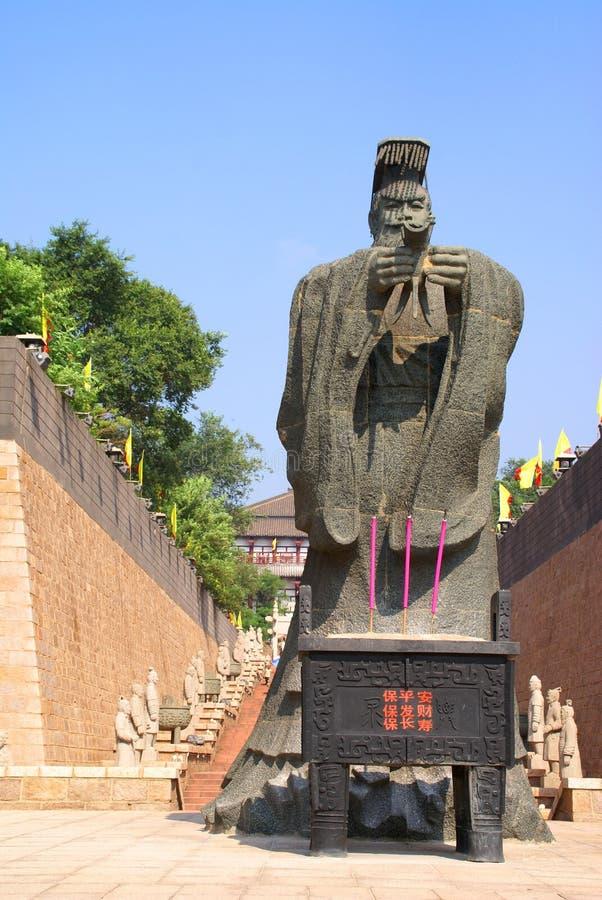 Monumento ao imperador chinês foto de stock