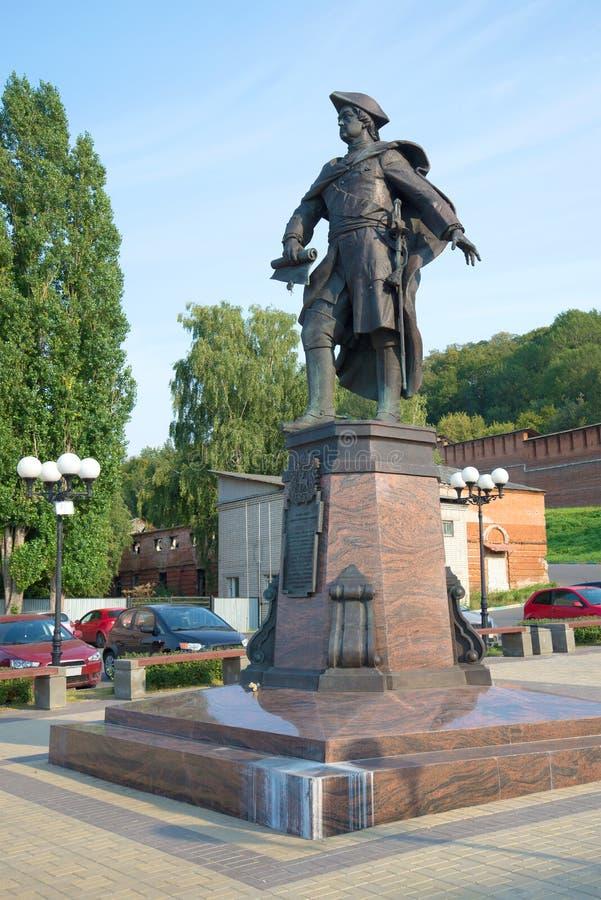 Monumento ao imperador Peter do russo mim na noite de agosto Nizhny Novgorod imagem de stock royalty free