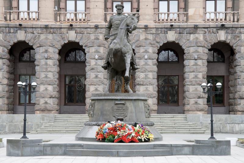Monumento ao marechal Zhukov em Yekaterinburg no foto de stock