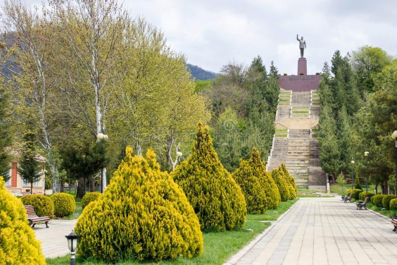 Monumento ao presidente de Azerbaijão Heydar Aliyev foto de stock