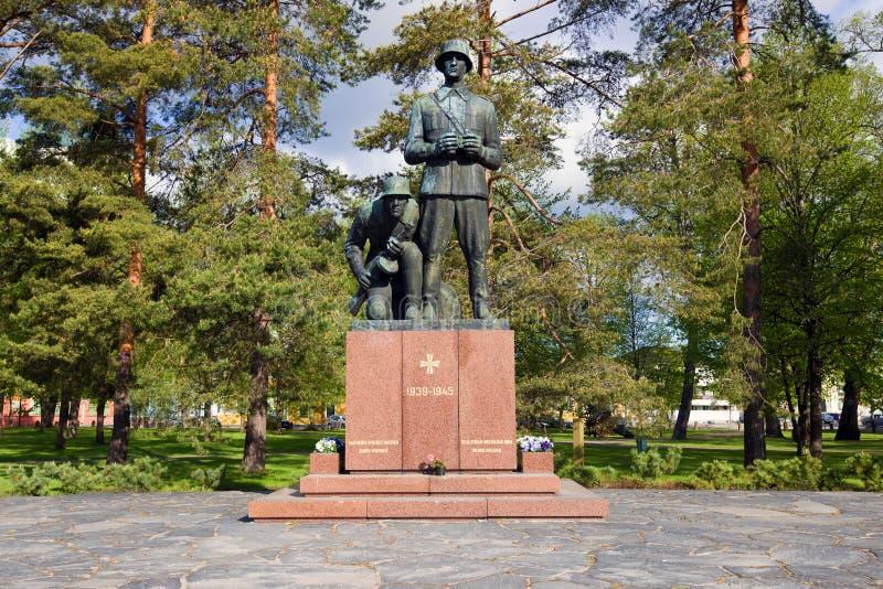 Monumento aos soldados e aos oficiais finlandeses que morreram durante a segunda guerra mundial Hamina, Finlandia imagem de stock royalty free