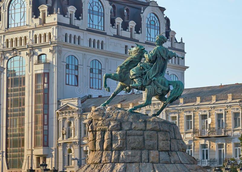Monumento a Bogdan Khmelnitsky de Kiev foto de archivo libre de regalías