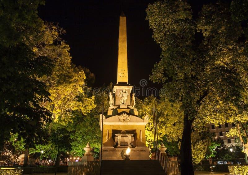 Monumento caduto per la Spagna o Monumento un por Espana di los Caidos o a Obelisco situato su Plaza de la Lealtad madrid fotografia stock libera da diritti