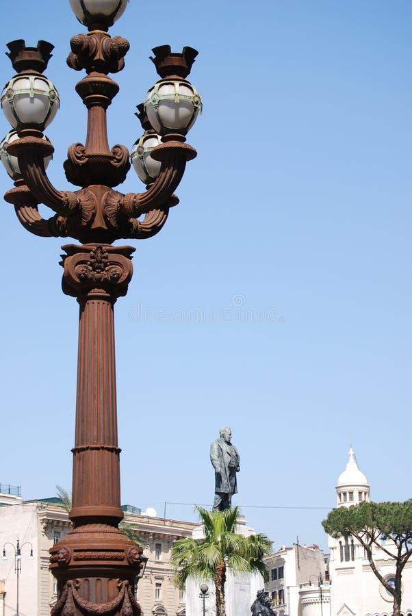 Monumento a Camillo Benso di Cavour na praça Cavour, Roma, Itália imagens de stock