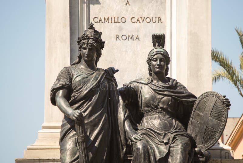 Monumento a Camillo Benso di Cavour na praça Cavour, Roma, Itália fotografia de stock